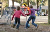 Foto van spelende kinderen.